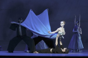 Curtain Up 1 - Hamburg Ballet. Credit - Holger Badekow