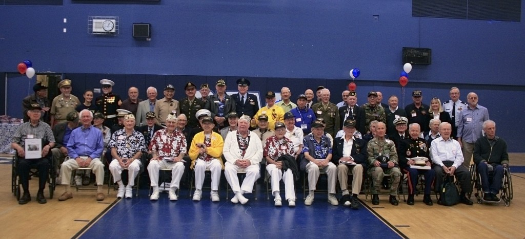 The entire group of veterans.