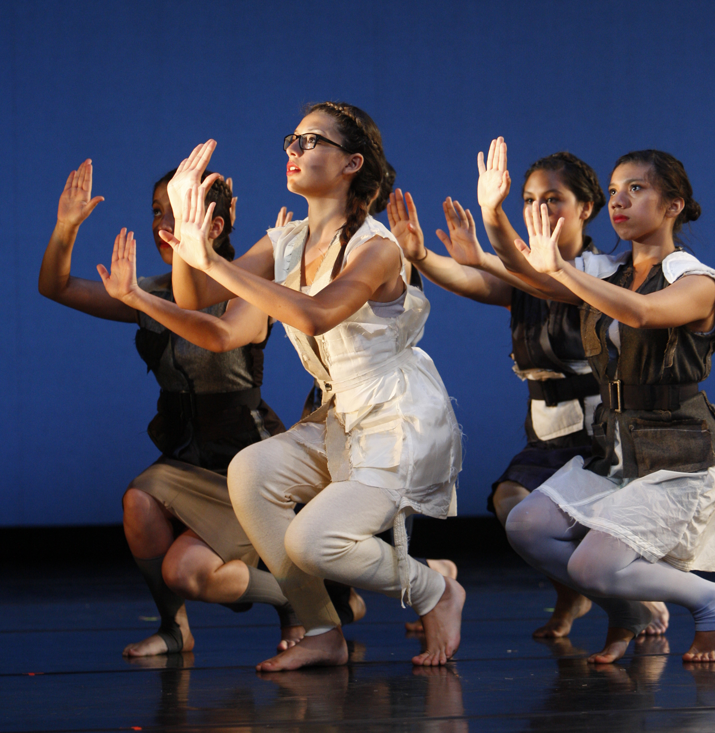 Awesome ... Melanie Ríos Glaser Once Again Celebrates The Transformative Nature Of  Dance And The Uplifting Empowerment Of Nurtured Youth With The Wooden  DressReh