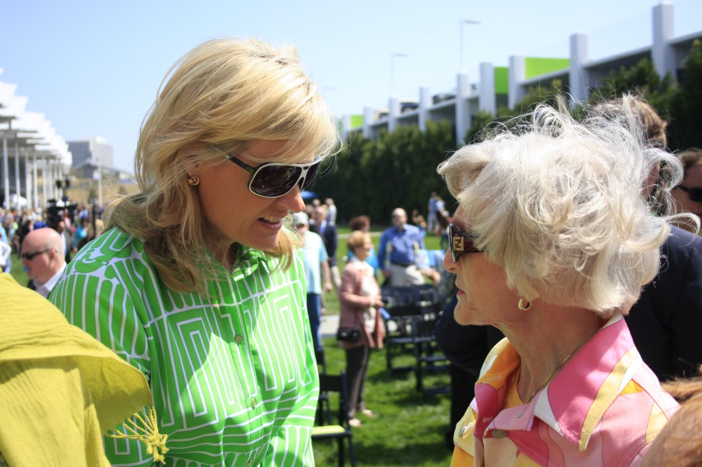 Councilwoman Leslie Daigle (left) speaks with Marian Bergeson at the event. — Photo by Sara Hall