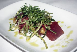 Tombo Ahi crudo