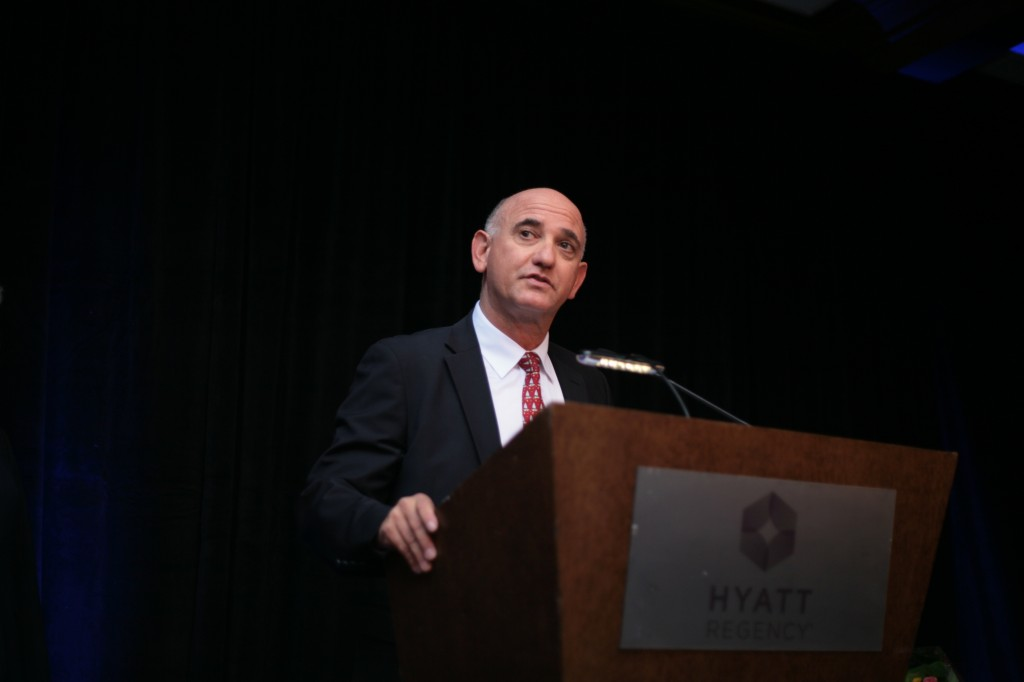 Newport Beach Chamber of Commerce President and CEO Steve Rosansky speaks to the crowd. — Photo by Sara Hall