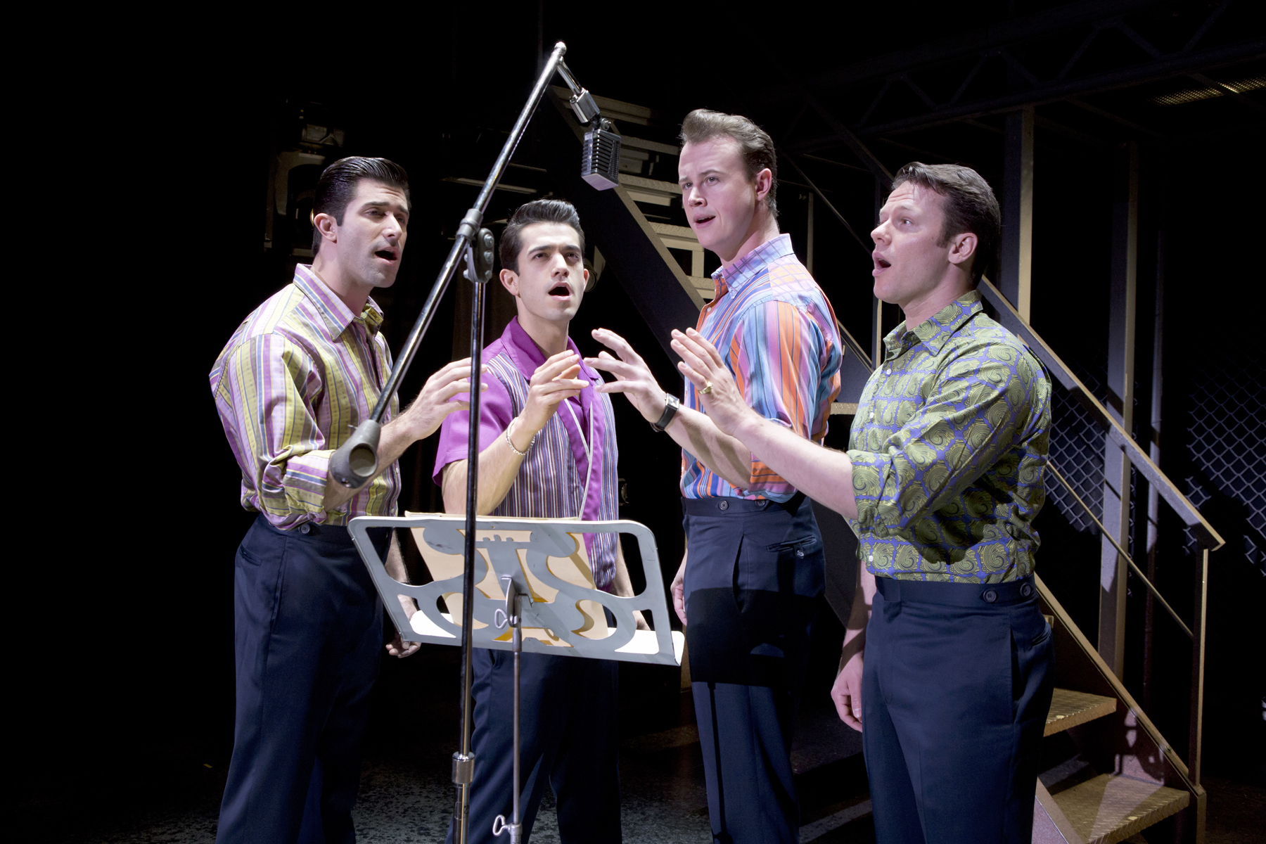 We carry Jersey Boys Fort Worth tickets, some of the best seats available, including front row, and many of our Jersey Boys Fort Worth tickets are fairly cheap and a good bargain. Most of our inventory are sold out theater tickets. You can order your discount Jersey Boys theatre tickets through the TicketTriangle website 24 hours a day 7 days a week.