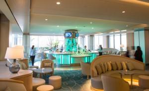 Aqua Lounge at Island Hotel
