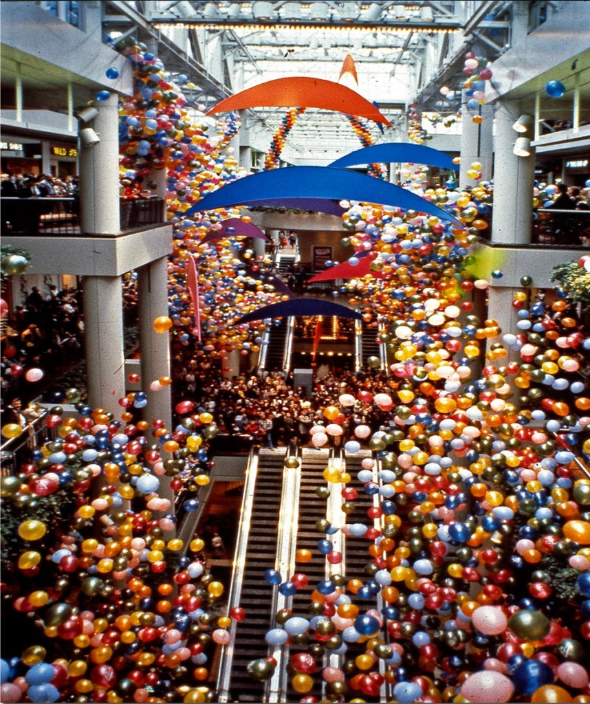 Balloon art — Photo courtesy Treb Heining ©