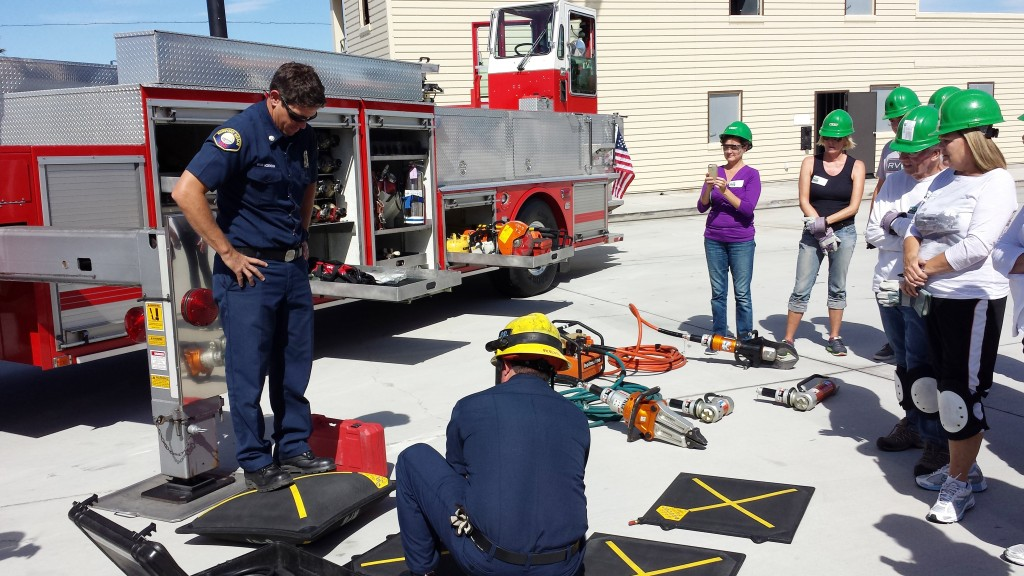 During a CERT class, NBFD Fire Captain Brian McDonough demonstrates an inflatable lifting pads, which help lift heavy objects combined with the cribbing technique.   — Photo by Sara Hall ©