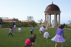 Pelican Hill Resort Easter egg hunt