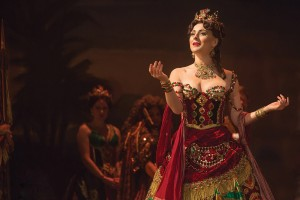 the-phantom-of-the-opera-7c-jacquelynne-fontaine-as-carlotta-photo-matthew-murphy
