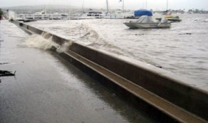 Water breaching a Balboa Island seawall in 2010. — Photo courtesy of city of Newport Beach ©