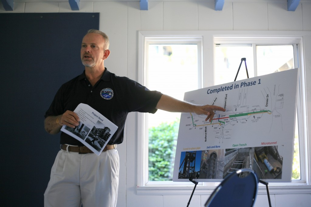 Project Manager Don Cutler talks about the Mariner's Mile sewer pipe construction project during a community meeting. — Photo by Sara Hall©