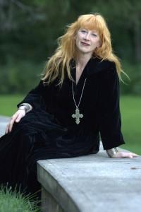 Loreena-McKennitt-Approved-Photo