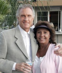 Bill Medley and Linda Hatfield. — NB Indy file photo ©
