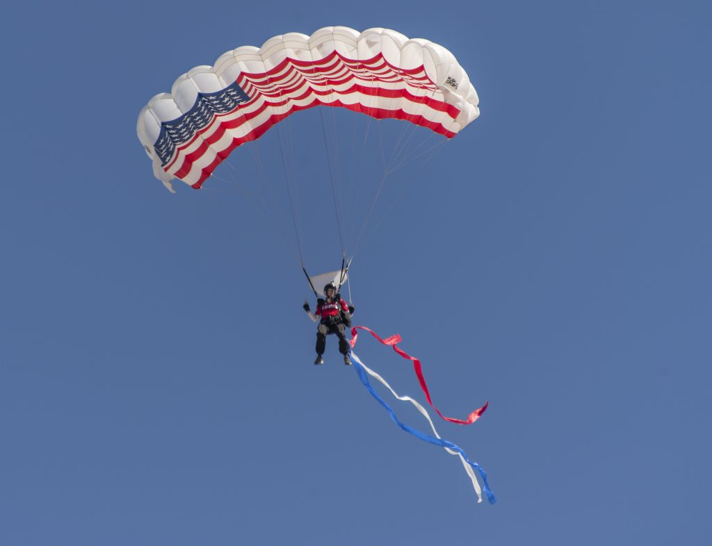 hb-air-show_parachutes-2