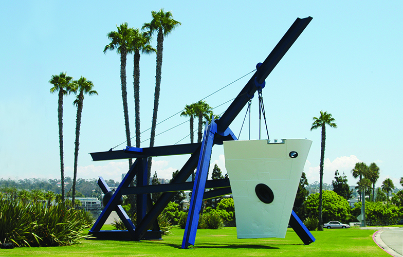Isis sculpture — Photo courtesy city of Newport Beach ©
