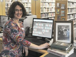 Sarah Emmerson conducts the Genealogy seminars
