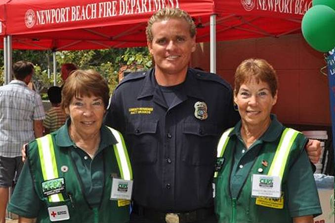 Marilyn Broughton with her sister Evalie DuMars and CERT program leader Matt Brisbois. — Photo courtesy Newport Beach Fire Department ©