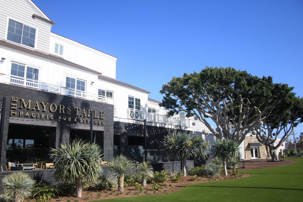 Newport Beach Front Hotel Suites