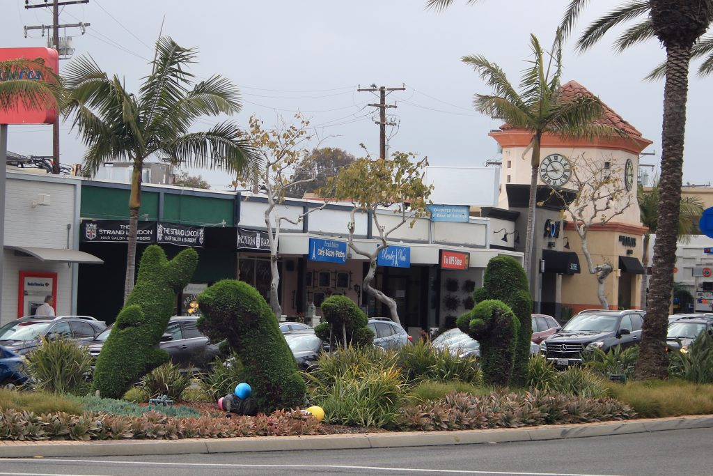 Newport Beach News New And Improved Topiary Dolphins Coming Soon To