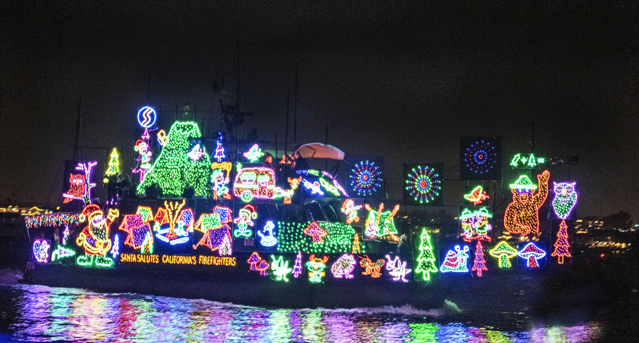 Newport Christmas Parade 2021 Pick The Theme For The 2021 Christmas Boat Parade Newport Beach News